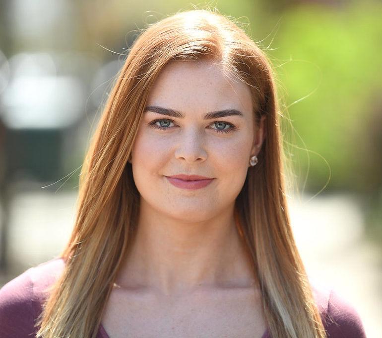 Headshot Emma